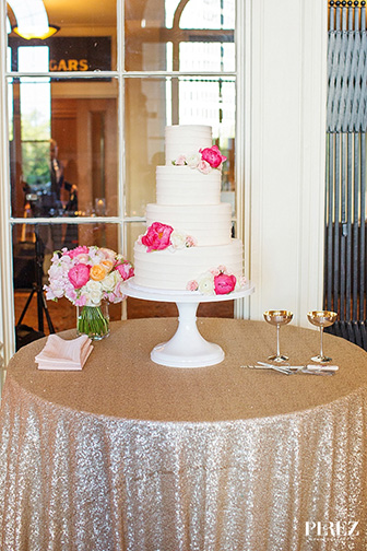 sugarbeesweets-signature-wedding-cake-horizontal-texture