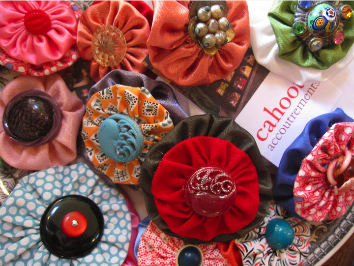Cahoots Handbags - Yo-Yo brooches