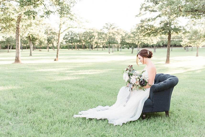 Gray Door Photography Styled Shoot - Heirloom Bridal Portraits 001