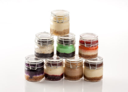 val's cheesecake favor jars