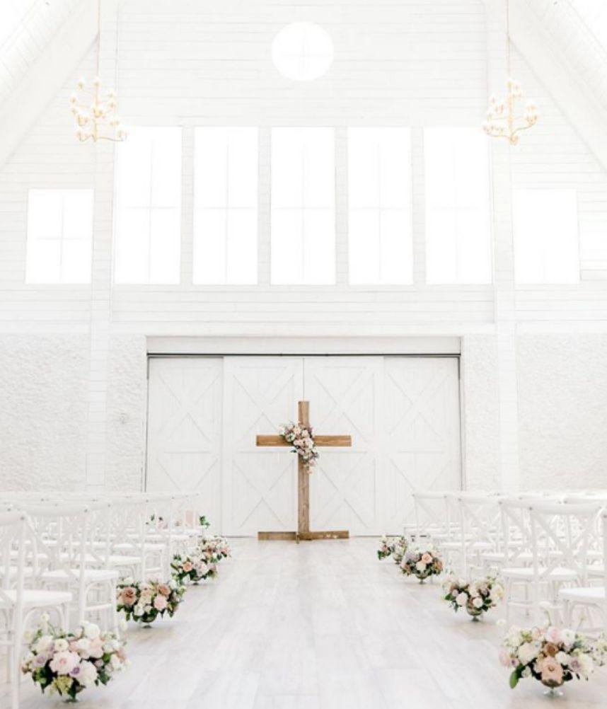 White-Modern-Backdrop
