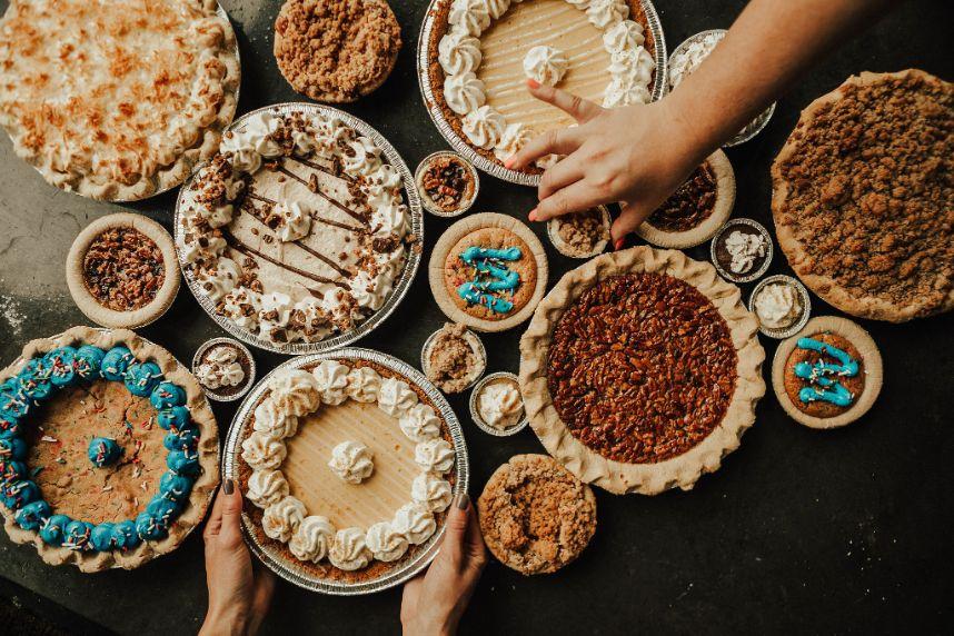 dessert tables 2021 wedding trends