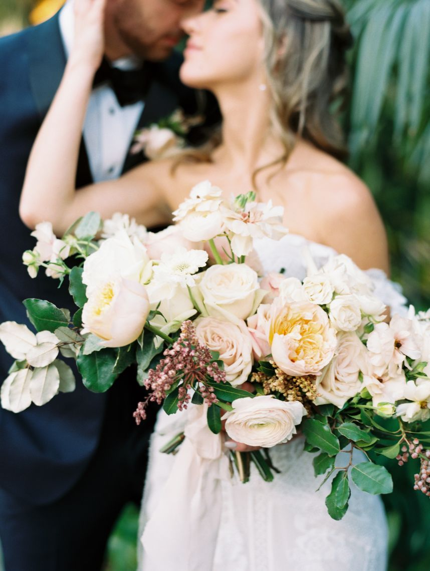 lizze bee's flower shoppe wedding florist