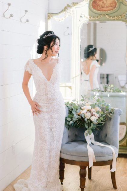 Vintage Elegance Styled Wedding Inspiration North Texas Wedding Photographer Stephanie Michelle Photography North Texas Wedding Linens Rentals AM Linen Rental