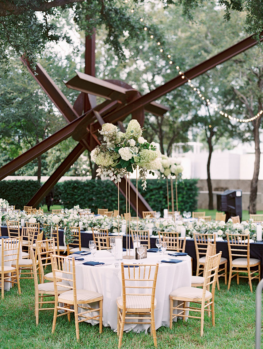 What to Consider When Booking Your Dallas Wedding Venue