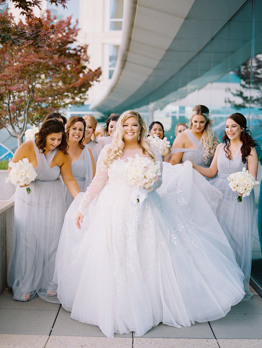 How to Help a Friend Getting Married: Wedding Tasks for the Bride's BFFs