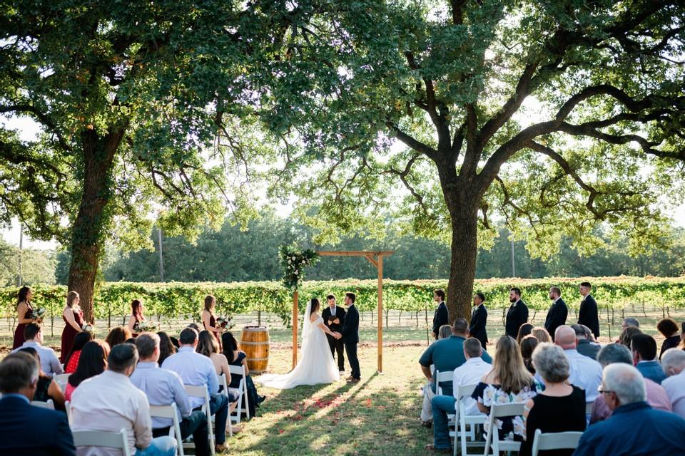 lost oak winery wedding venue