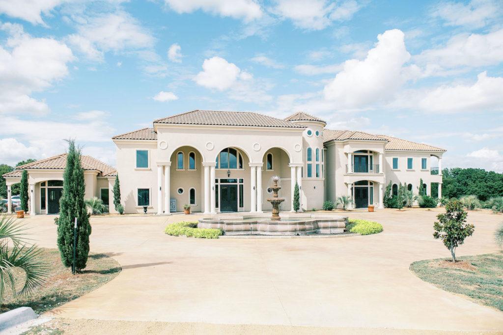 D'Vine Grace Vineyard - North Texas Wedding Venues