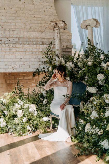 Intimate Garden Wedding Inspiration North Texas Wedding Venue The French Farmhouse Venue North Texas Wedding Hair Makeup Bridal Beauty The Stying Stewardess
