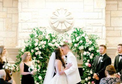 olana wedding kiss